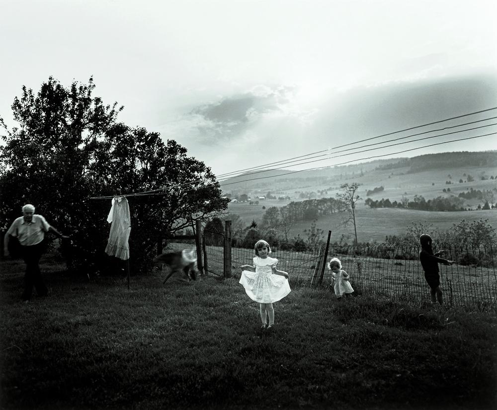 """EASTER DRESS"" (1986). GELATIN SILVER PRINT."