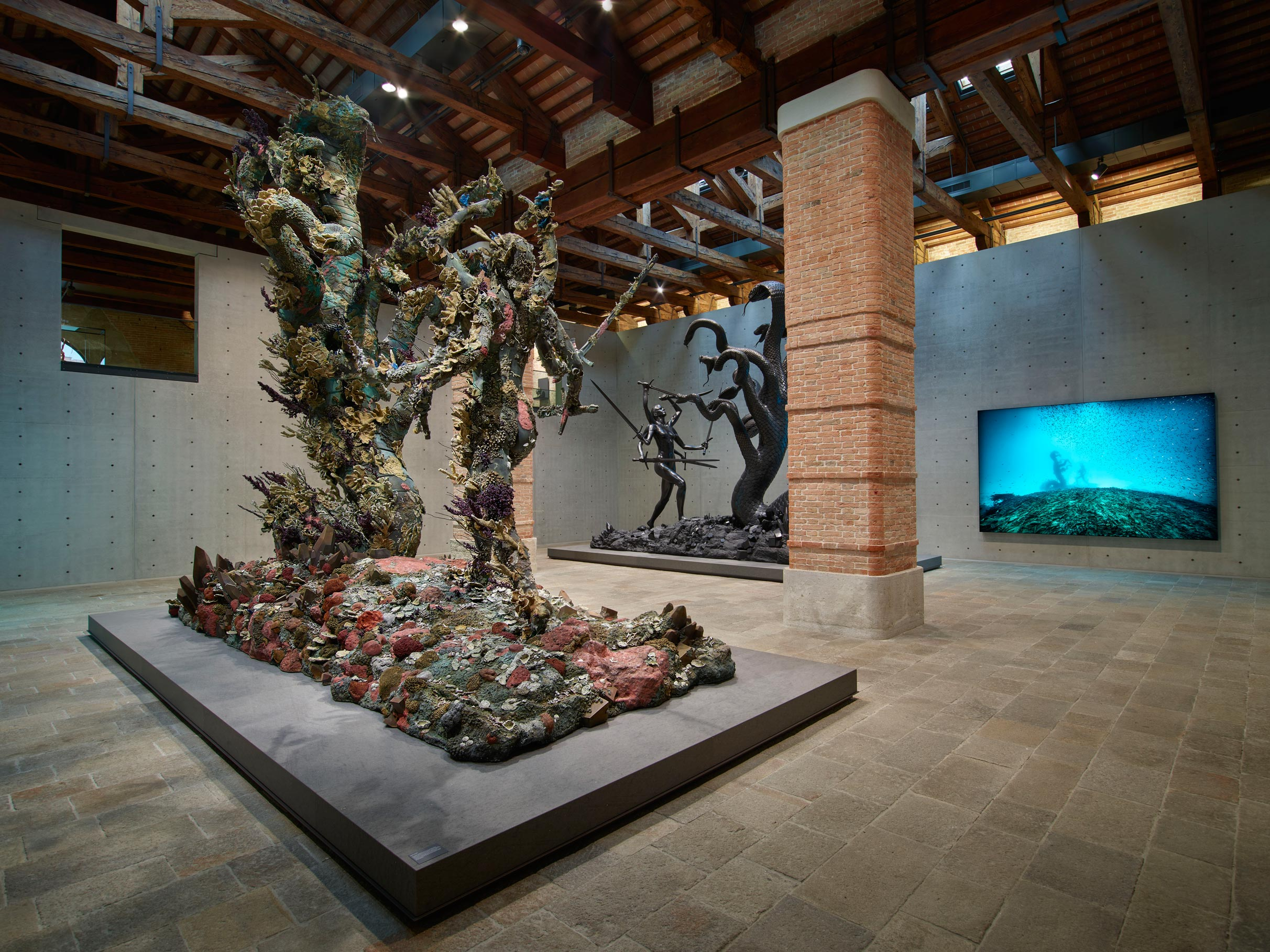 Room 11: (left to right) Damien Hirst, Hydra and Kali (two versions), Hydra and Kali Beneath the Waves (photography Christoph Gerigk). Photographed by Prudence Cuming Associates © Damien Hirst and Science Ltd. All rights reserved, DACS/SIAE 2017