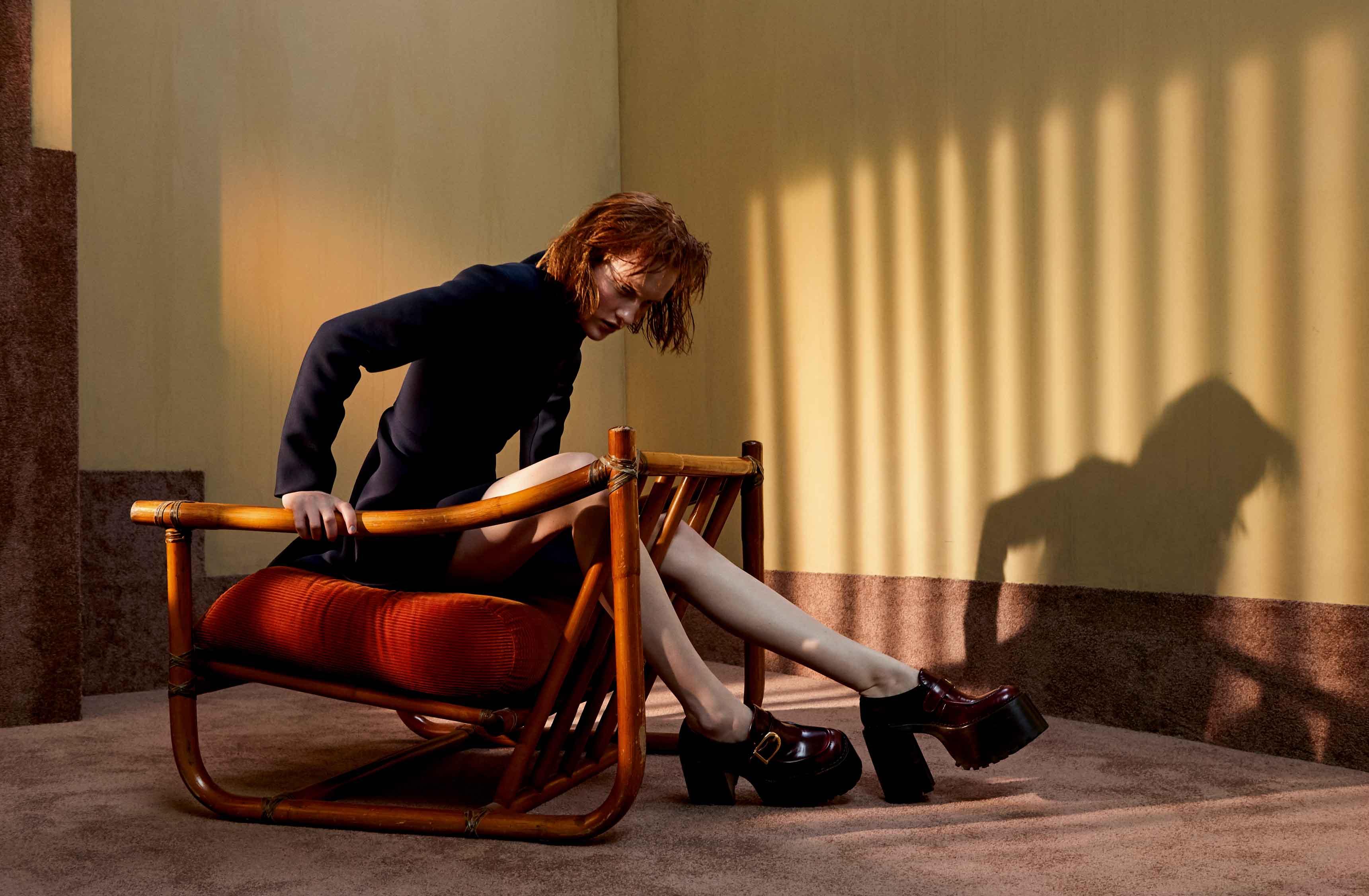 Veste en laine, DIOR. Chaussures, MARC JACOBS.