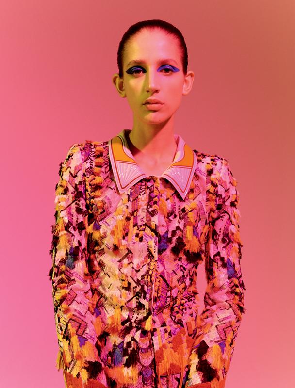 Tailleur inspiration Kupka : veste en organza brodé et jupe en jacquard brodé, FENDI COUTURE.