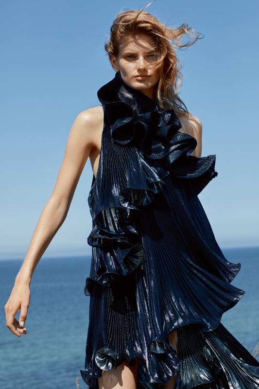 Robe plissée asymétrique à volants en crêpe de Lurex, GIVENCHY.