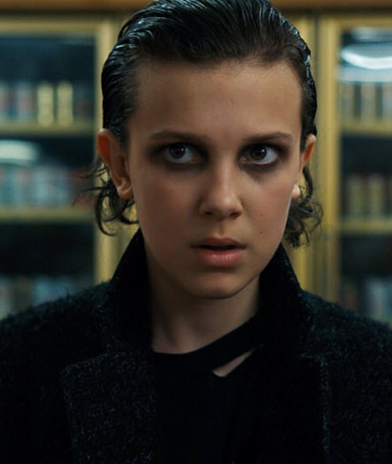 "Millie Bobby Brown en Eleven dans la série ""Stranger Things"""