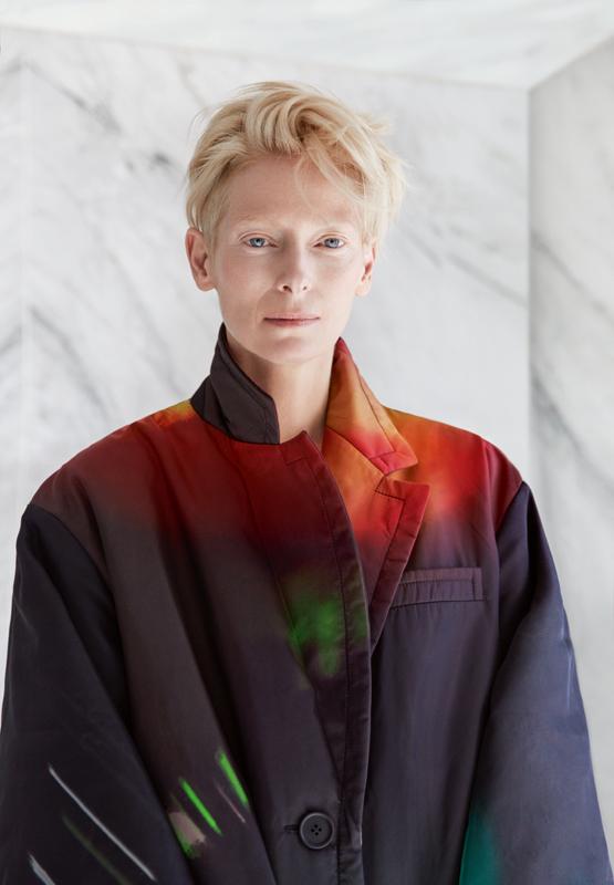 Manteau en gabardine de Nylon, PRADA.