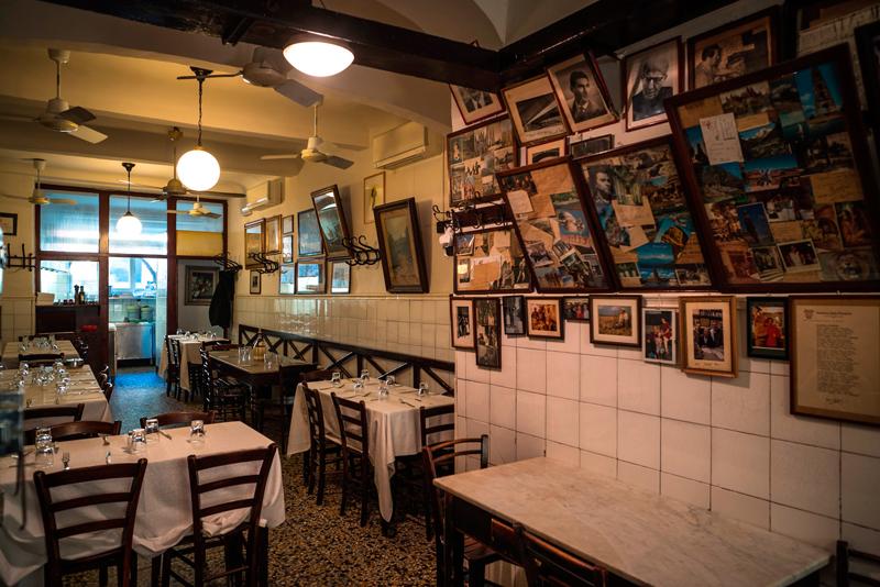 Restaurant typique de Florence, la trattoria Sostanza propose une cuisine authentique au charbon.