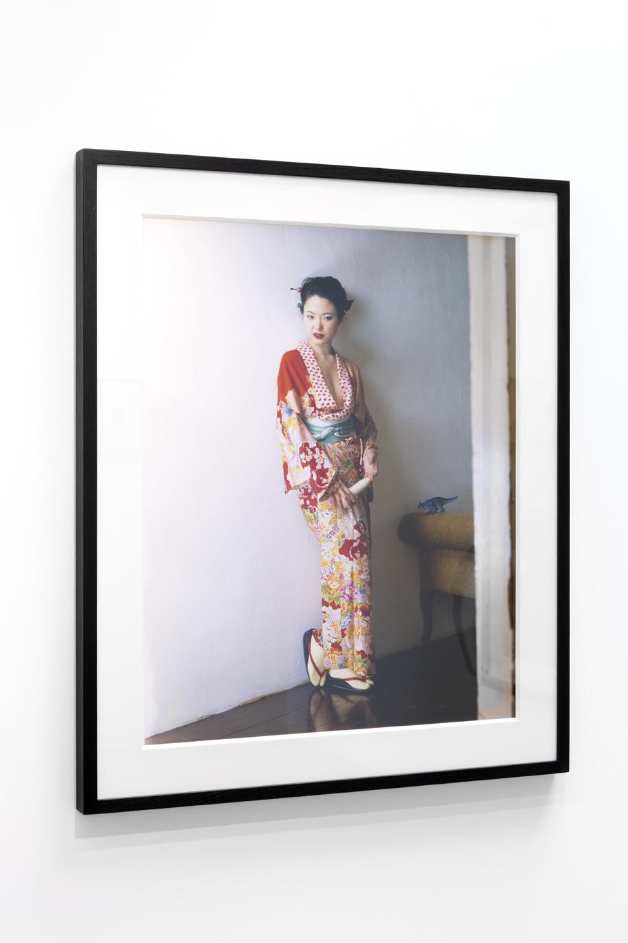 Photographe japonais connu pour ses photos argentiques de femmes ligotées et de fleurschargées de sensualité brute, Nobuyoshi Araki s'expose pour la cinquième fois dans la galerie Kamel Mennour. Ces nouveaux clichés, uniquement des photos récentes, explorent encore une fois ses thèmes de prédilection, l'amour et la mort, et mettent en scène la danseuse Kaori,rencontrée en 2001.   NobuyoshiAraki,du 22 juin au23 juillet à lagalerie Kamel Mennour, 47, rue Saint-André des Arts , Paris VIe.   Retrouvez des photos exclusives de Nobuyoshi Arakipour Numéro Homme.  © Nobuyoshi Araki Photo :Julie Joubert & Archives Kamel Mennour. Courtesy of the artist and Kamel Mennour, Paris