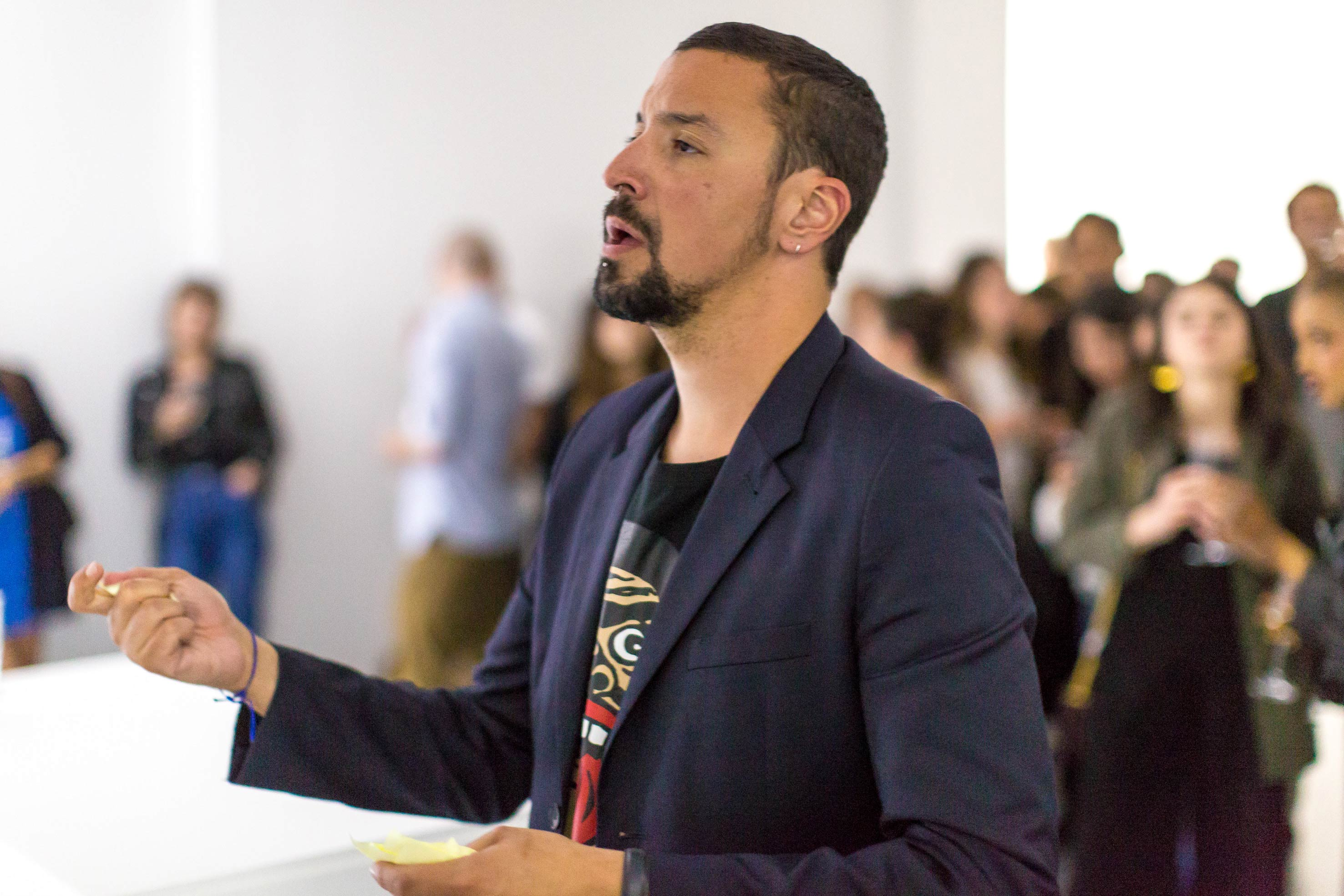 """For the inauguration of the gallery on June 9th, Tomàs Diafas invited visitors to whisper into his ear what they'd like to change about their lives in one word. Then before the assembled crowd the Greek artist cried out all of the responses… provoking laughter and occasional embarrassment.   """"TINO SEHGAL'S SITUATIONS COST BETWEEN 100,000 AND 200,000 DOLLARS. BUT HERE THERE IS NOTHING FOR SALE."""" Tommaso Calabro  But not all of Tino Sehgal's strictly imposed rules are followed at Nahmad Projects. """"We allow the public to take photographs,"""" Tommaso Calabro confirms. """"But unlike Tino Sehgal whose situations sell for 100 to 200,000 dollars, our performances are not for sale. We just gave the artists £1000 for their expenses."""" This obviously won't be the case for every project…  At the inauguration of the gallery on June 9th, Tomas Diafas invited visitors to whisper in his ear what they would like to change in their lives in just one word. Then before the assembled crowd the Greek artist cried out all of the responses, provoking laughter with some of the whispered words… """"Work"""" ((too much!) featured several times), """"girlfriend"""", """"dog"""" or """"philosophy"""".  """"I'd also suggested another idea,"""" laughs Francesco Bonami, """"I thought it would be very funny if Joseph, as a member of such a great family of collectors and dealers, bought the entire collection of Tino Sehgal and stored it in a warehouse. That would have been an amusing way to push the logic of Tino Sehgal's oeuvre to an absurd conclusion.""""  I am NOT tino sehgalat theNahmad Projectsgallery in London, on until July 20th   >> DiscoverTino Sehgal's intervention on the Jemma el-Fna square in Marrakech.  By Thibaut Wychowanok"""