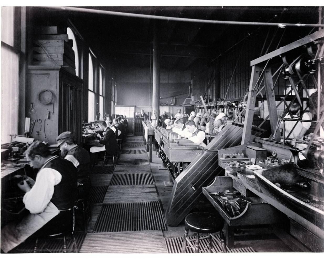 Les ateliers Tiffany & Co. à Union Square à New York en 1874.   Tiffany & Co. Archives