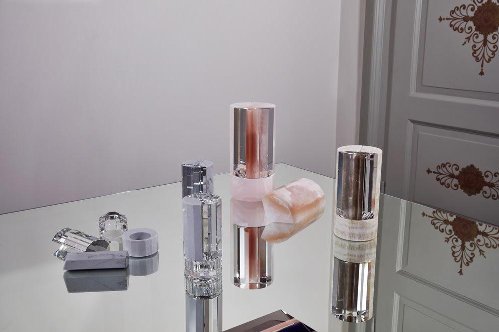 Vase en cristal et en marbre expressif, décliné en trois tailles, par Aldo Bakker.