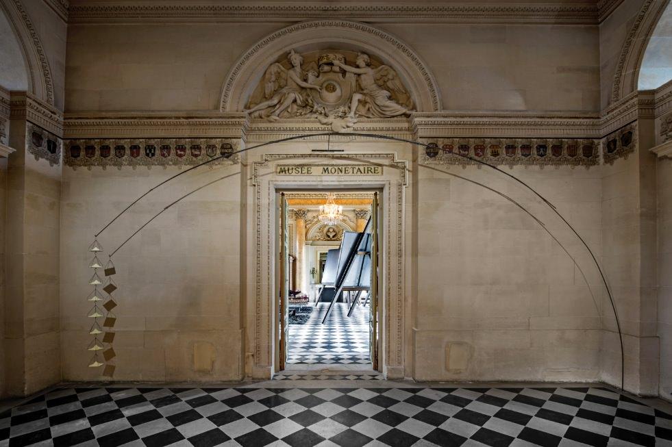 """Jannis Kounellis à la Monnaie de Paris : une exposition """"Brut(e)"""""""