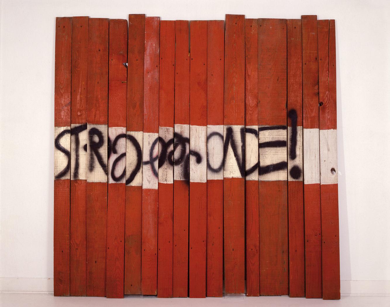 Palissade Sainte Radegonde(1974-1988)deRaymond Hains. Collection FRAC Poitou-Charentes. Photo :Richard Porteau.