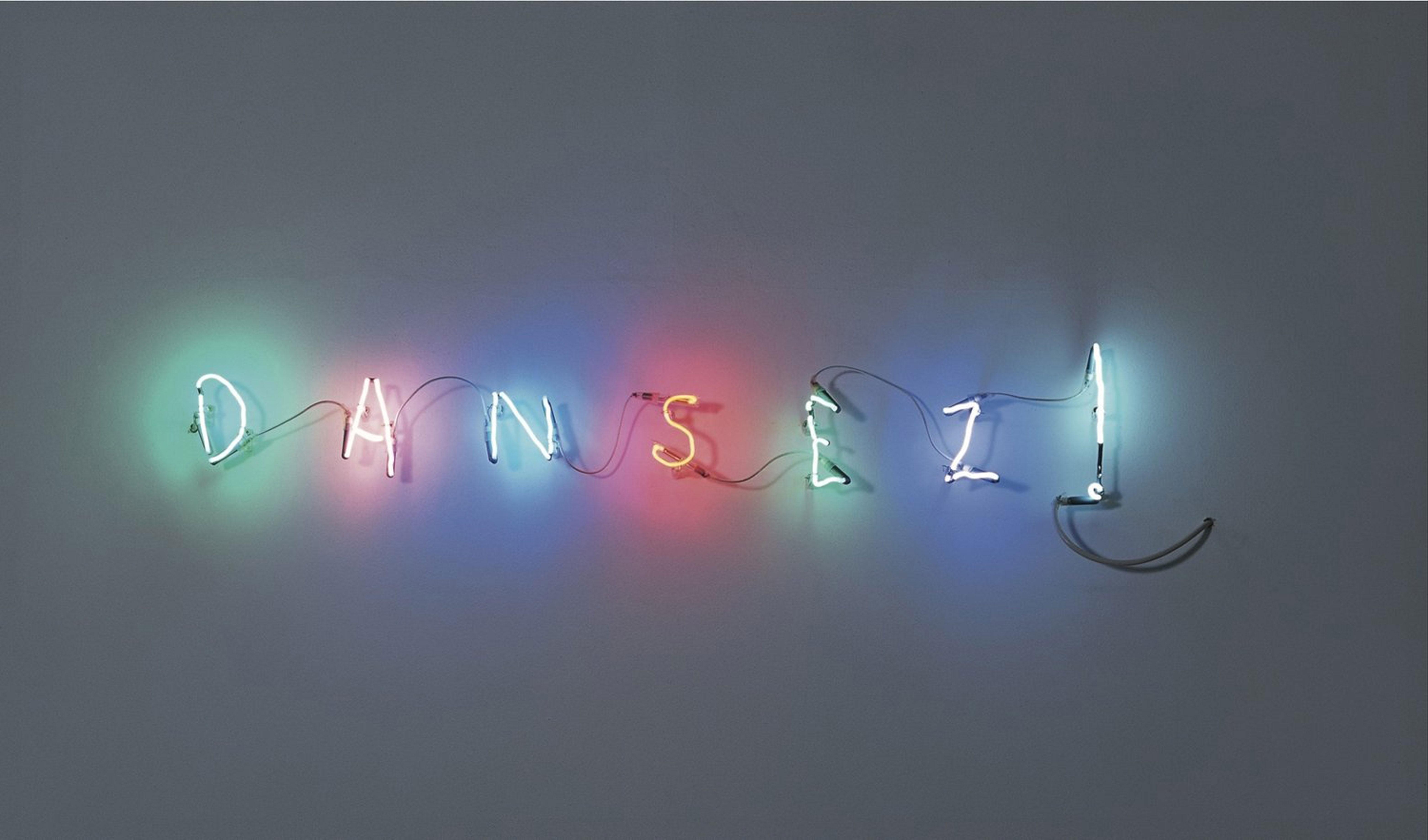 Claude Lévêque,Sans titre (Dansez !), 1995, enseigne tubes néon multicolores,15 x 150 cm. Courtesy Collection agnès b.