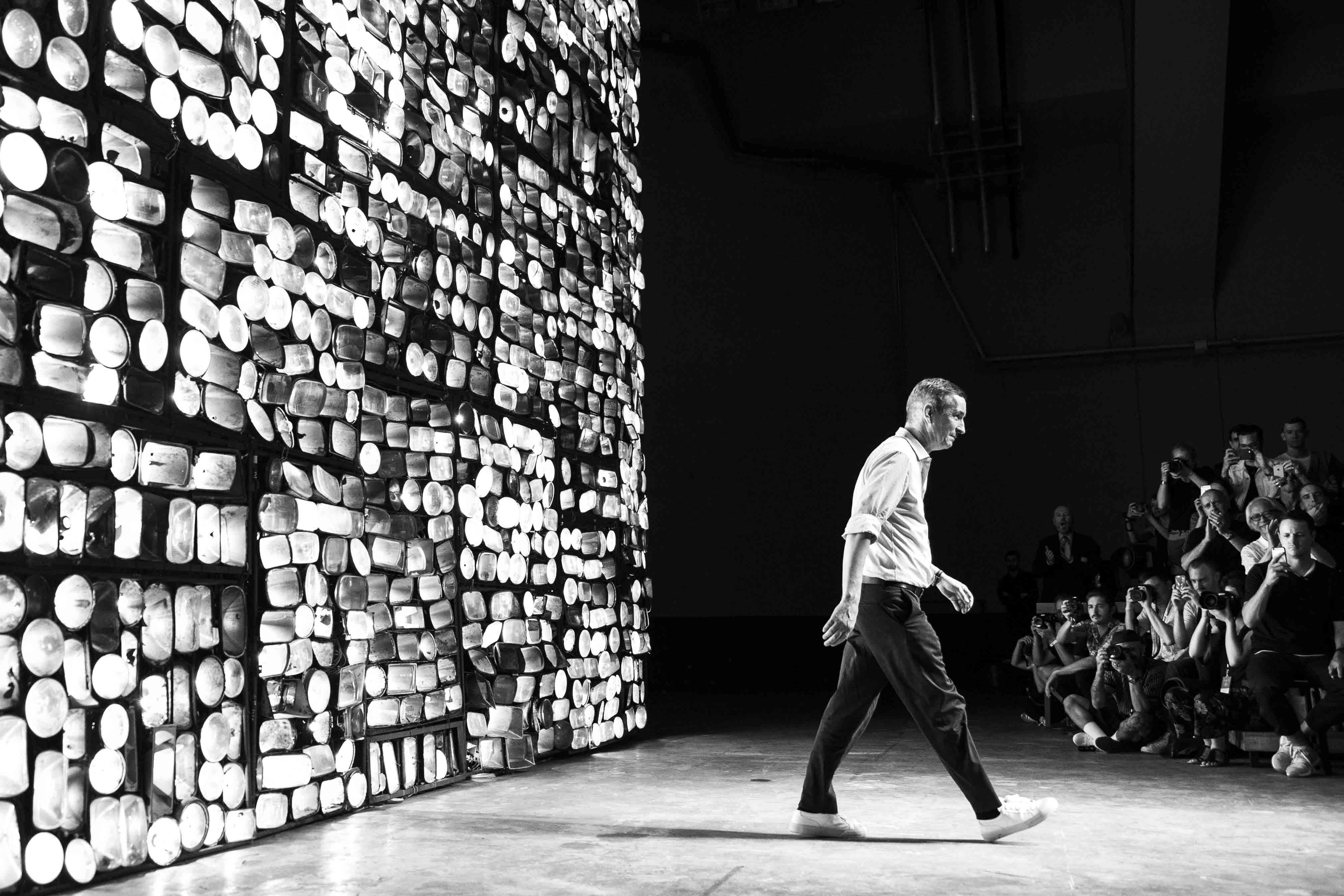 Le défilé homme Dries Van Noten printemps-été 2017 vu par Mehdi Mendas