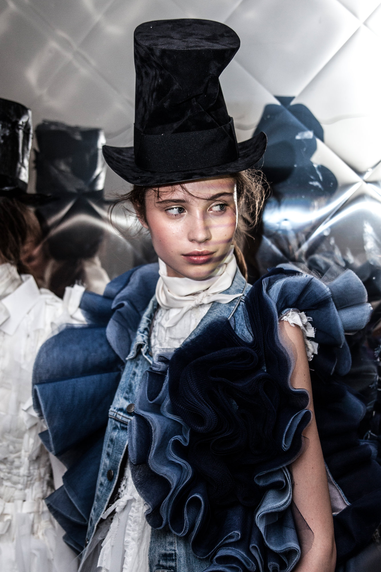 Backstage: Viktor & Rolf haute couture fall-winter 2016-2017 runway show