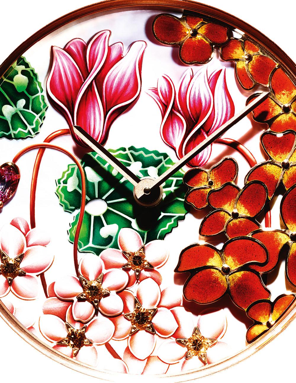 "Montre ""Charms Extraordinaire Amour"" en or rose, diamants, saphirs roses, grenat spessartite, nacre, émail, or jaune et saphirs jaunes, VAN CLEEF & ARPELS."