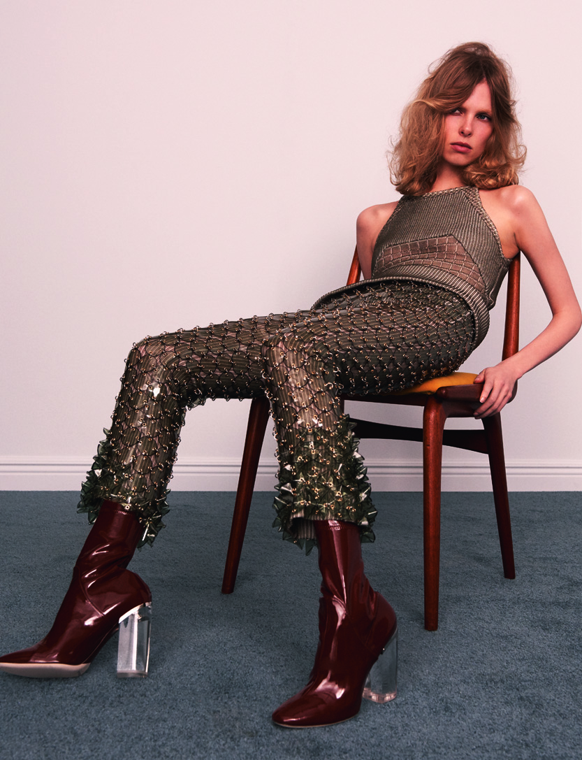 Rodhoïd top and pants, PACO RABANNE. Boots, DIOR.