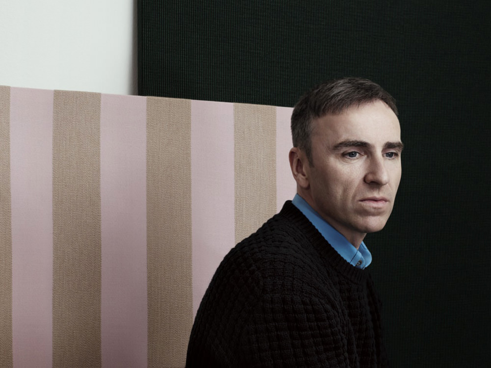 For many years, Raf Simons has collaborated on exclusive textiles with the Danish brand Kvadrat. This month he introduces three new models: Pulsar, Reflex and Fuse, which round out the existing collection. Numéro took advantage of this occasion to speak with the Belgian designer about his passion for furniture and industrial design.    Numéro : You studied industrial design— do you think about getting back to that one day? Raf Simons : I have always thought that designing objects was a wonderful job. I moved away from it because it's a bit isolating. But working in the fashion industry, with a rhythm that has only accelerated over the past few years, has given me a desire to return to it. It really made sense to me.