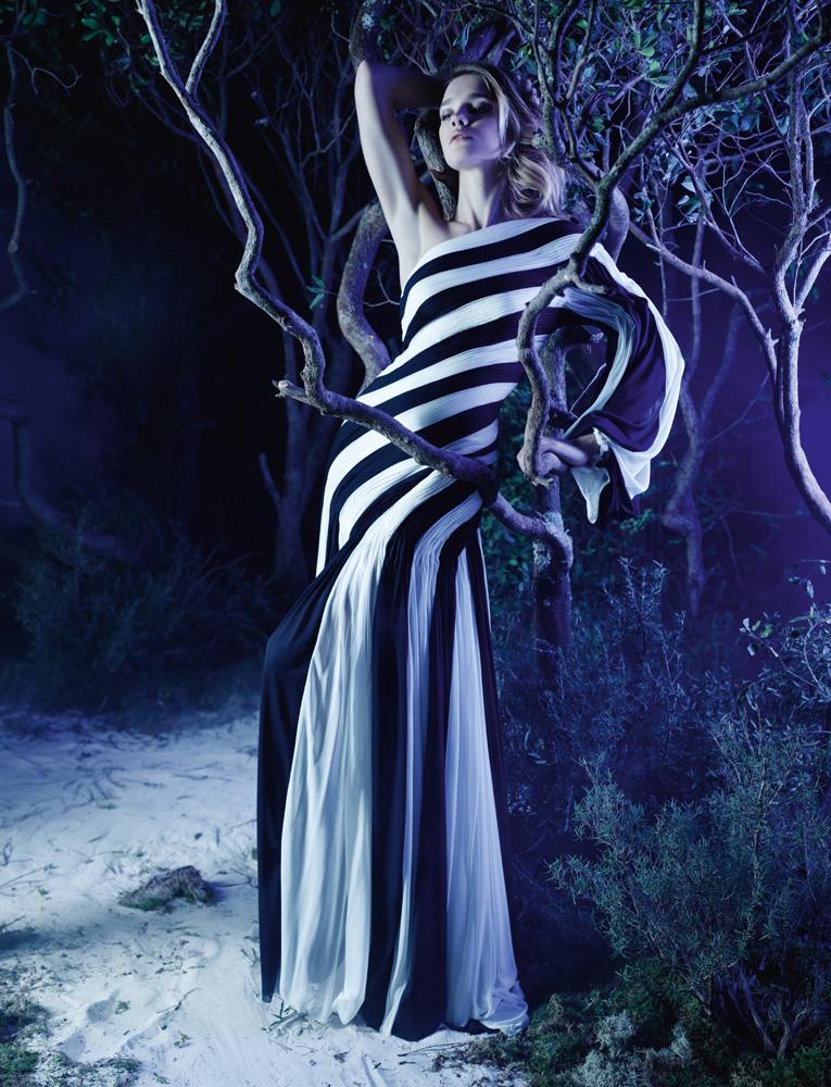 Numéro #141 Mars 2012. Mannequin : Natalia Vodianova en Gaultier Paris. Make up : Peter Philips. Hair : David Malllett.