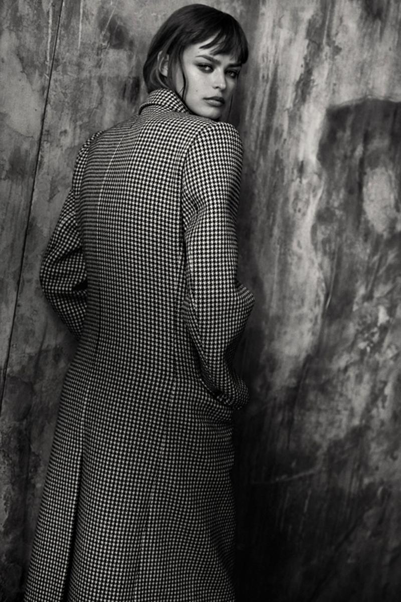 Manteau en laine pied-depoule, BALENCIAGA.