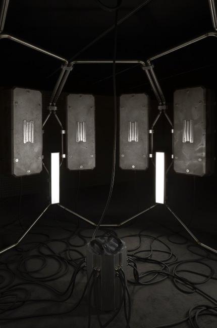 """""""Cosmogonie"""", l'installation futuriste de Didier Fiuza Faustino chez Hermès"""