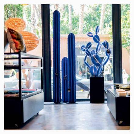 16h00 Mode et made in Marrakech  Le 33 Rue Majorelle est leconcept storeincontournable de la ville, qui propose les créations d'une quarantaine de designers marocains: mode, bijoux, objets de déco ou accessoires. Pierre Bergé, en voisin, y a ses habitudes.  www.33ruemajorelle.com
