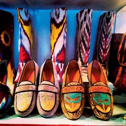 11h00 L'accessoire indispensable  Pour les amateurs de mocassins en cuir, intemporels et inusables, détour obligatoire chez Atika. Homme, femme ou enfant, chacun trouvera les siens.  Atika Marrakech, 34, rue de la Liberté