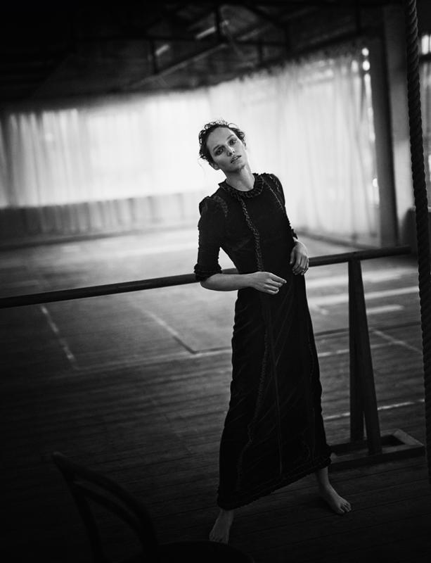 Velvet dress, THE VAMPIRE'S WIFE.
