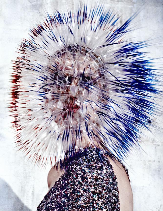 Elie Saab Haute Couture and Maiko Takeda par Txema Yeste pourNuméro China 2013.