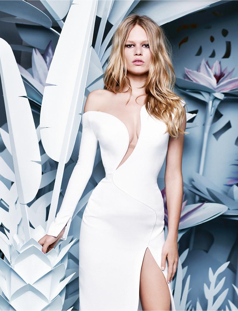 Robe du soir asymétrique ensoie blanche, ATELIER VERSACE.