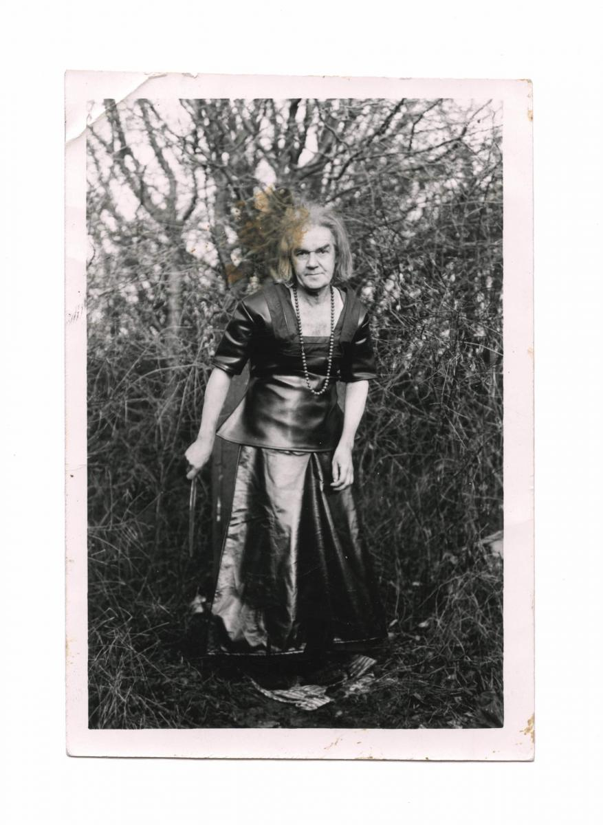 Marcel Bascoulard, a tramp by choice, dresses as a woman and took photos of himself for several decades in Bourges. He chose his fabrics and designed his patterns. Some of his images are on show at the Punta della Dogana.