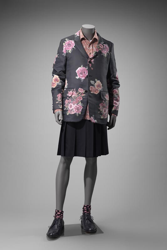 """Blazer and kilt,"" 2012, Comme des Garcons. Photo : Museum of Fine Arts, Boston. Acheté avec des fonds du Fashion Council. © Museum of Fine Arts, Boston."