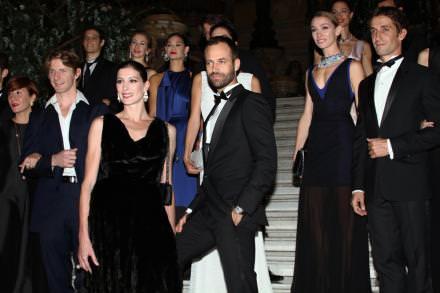Benjamin Millepied et les danseurs étoiles de l'Opéra de Paris en Dior et bijoux de Grisogono spécialement créés pour l'Opéra de Paris