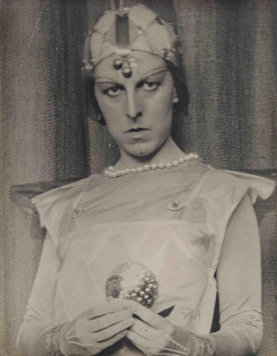 Claude Cahun, Autoportait(1929)