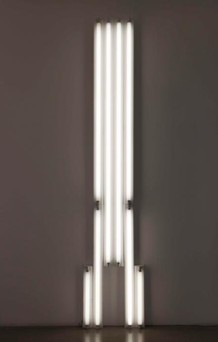 "Dan Flavin,""monument"" for V. Tatlin, 1975, tubes fluorescents,304.5 x 61 x 12 cm. ©Bruce Nauman / ADAGP, Paris 2015Courtesy the artist"
