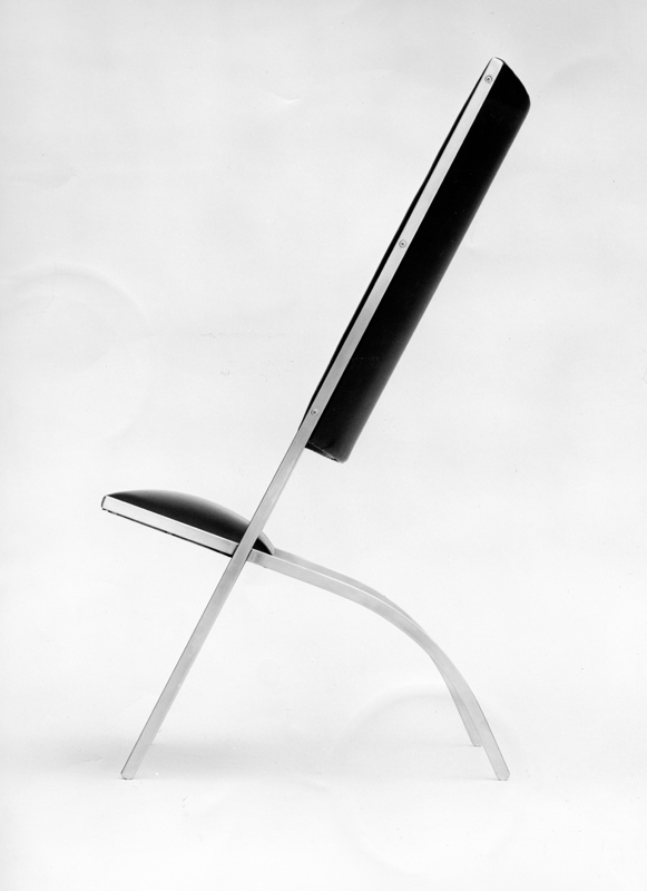 Chaise Gabriela,1971— Fabricant : Walter Ponti Acier, simili-cuirMilan, collection particulière © Gio Ponti Archives, Milan