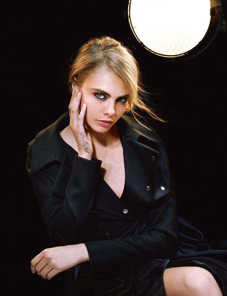 Numéro #146 Septembre 2012. Mannequin : Cara Delevingne en Dior Haute Couture. Make up : Topolino. Hair : Laurent Philippon.