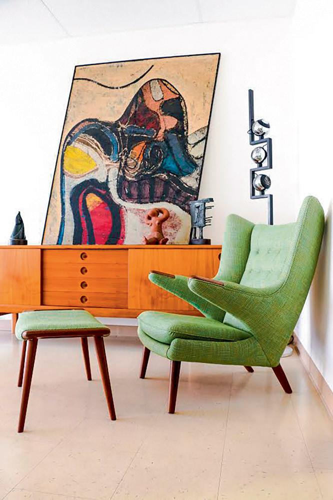 Design DANISH MODERN L.A. Une de mes galeries de design préférées à Los Ange les. Contrairement à ce que son nom pourrait laisser croire, Danish Modern L.A. ne propose pas que du mobilier danois ou scandinave. On y trouve des pièces américaines et une très belle sélection des années 50, à des prix encore abordables. 3028 WEST SUNSET BOULEVARD, LOS ANGELES.