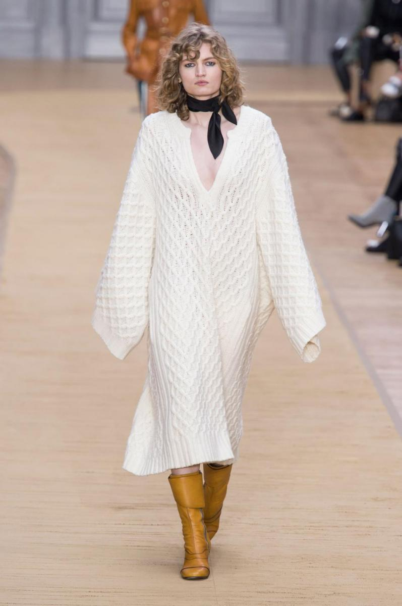 Chloé fall-winter 2016 runway show by Clare Waight Keller