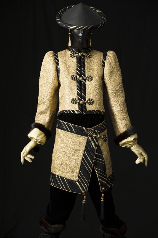 Ensemble du soir, collection haute couture automne-hiver 1977 Musée Yves Saint Laurent Paris © Yves Saint Laurent - Sophie Carre