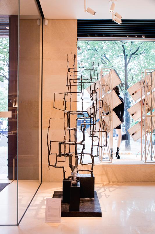 Evan Holloway chez Louis Vuitton