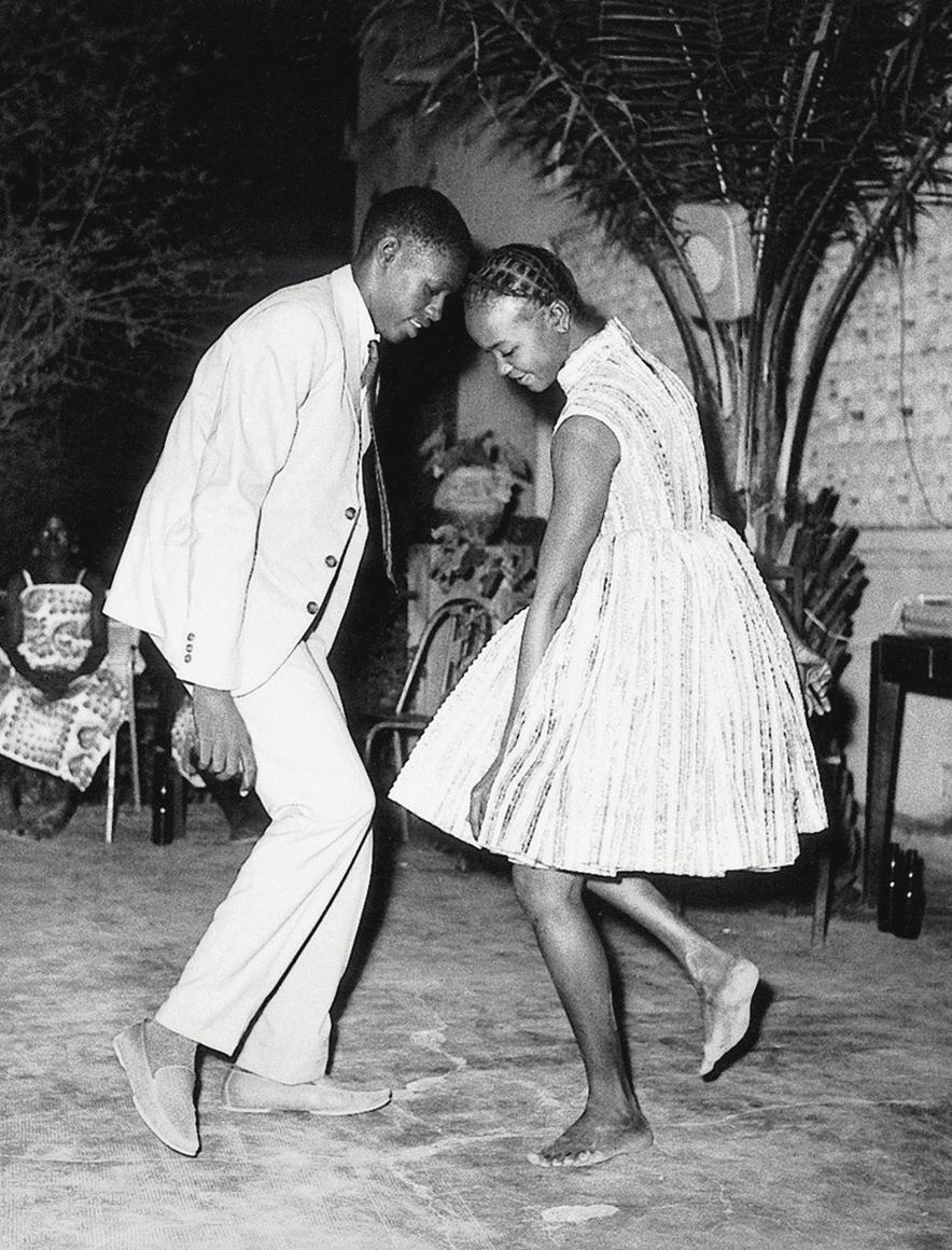 Malick Sidibé, Nuit de noël, 1965. Tirage noir et blanc.