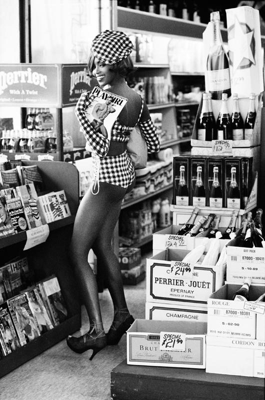 """Ellen Von Unwerth,""""Playgirl"""", Naomi Campbell, Los Angeles (1991)."""