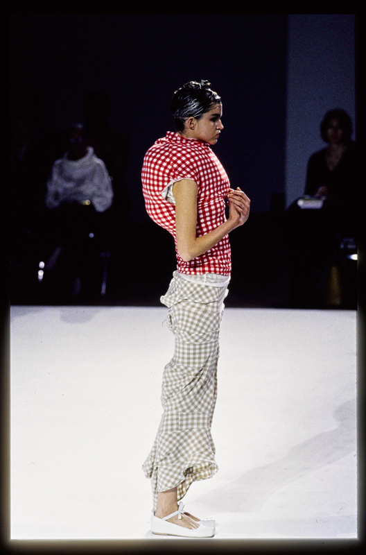Guy Marineau, Ensemble Comme des Garçons Printemps-Eté 1997© Guy Marineau