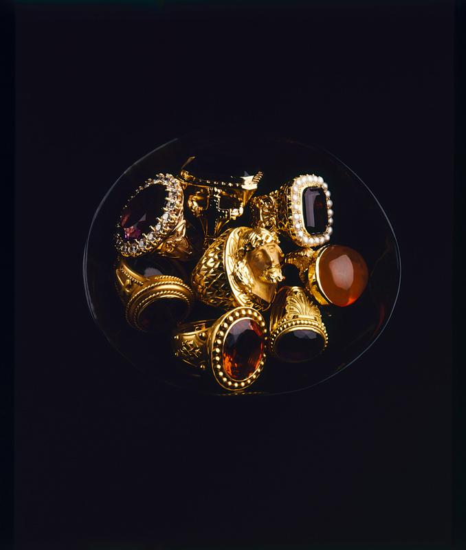 Les pièces de la collection Yves Gastou photographiées par Arnaud Carpentier.