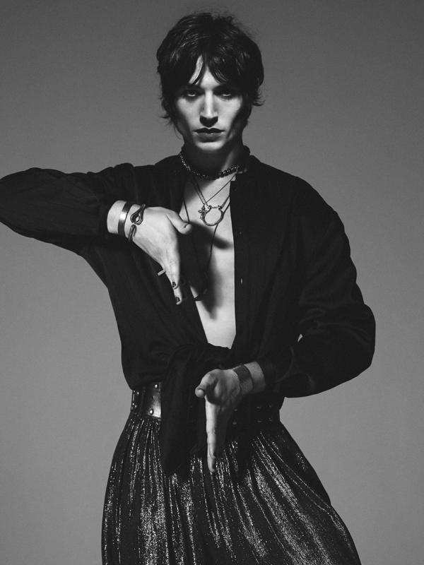 Ezra Miller par David Sims pour Saint Laurent