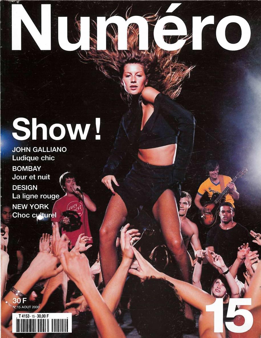 Gisele photographedby Patrick Demarchelier for the cover ofNuméro 15, August2000.