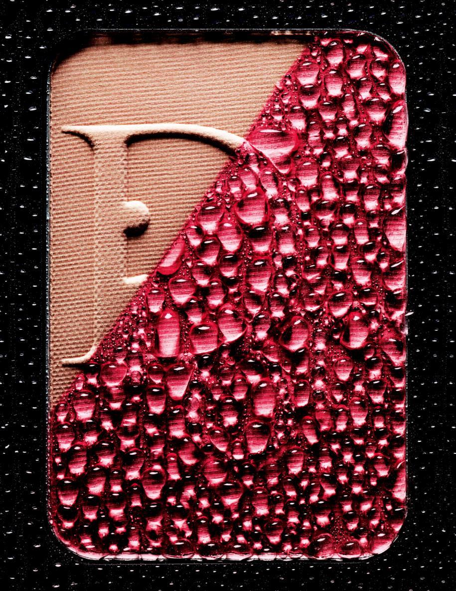 """""""Diorblush Sculpt, Blush Poudre Contour Professionnel, n°001 Pink Shape"""", DIOR."""