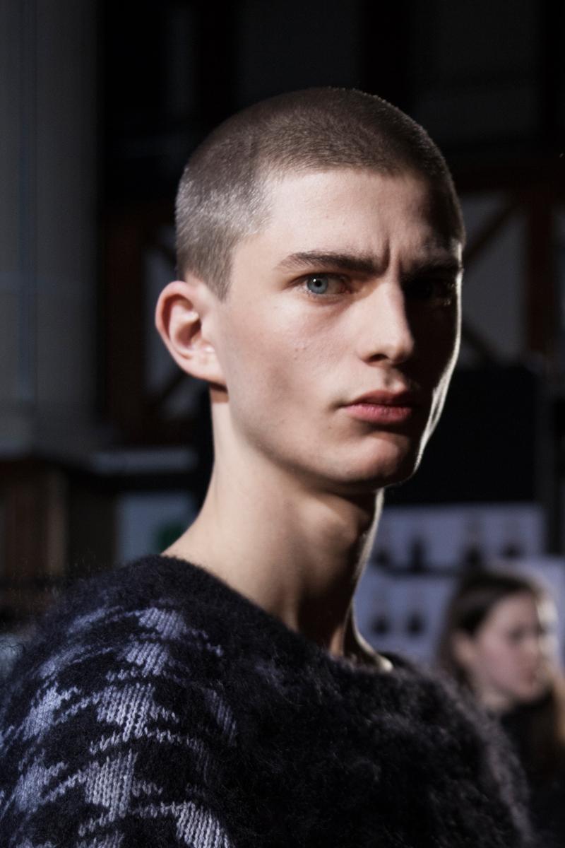 Backstage : le défilé Haider Ackermann automne-hiver 2017 vu par Mehdi Mendas