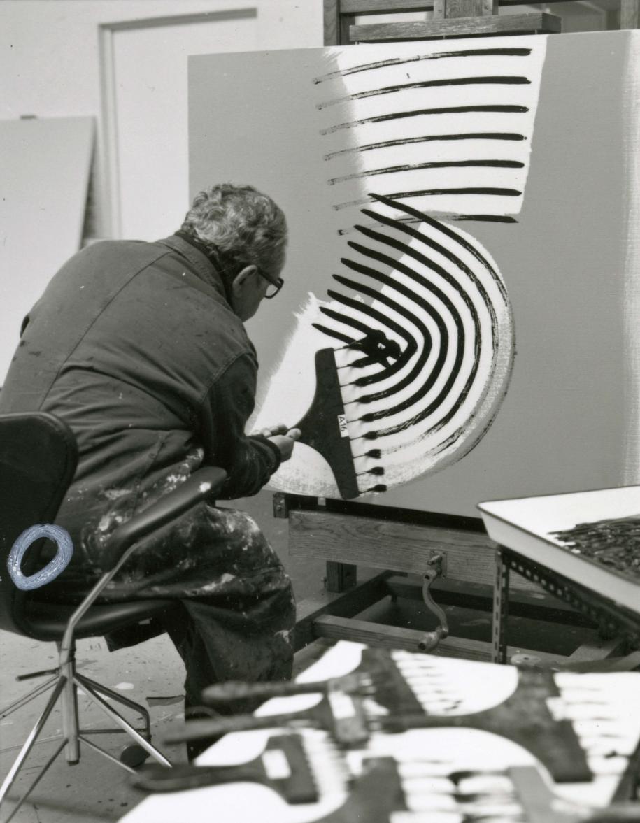 François Walch, Hans Hartung dans son atelier d'Antibes, 1975