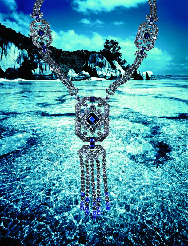 Collier en platine, diamants et saphirs, collection New York, HARRY WINSTON.