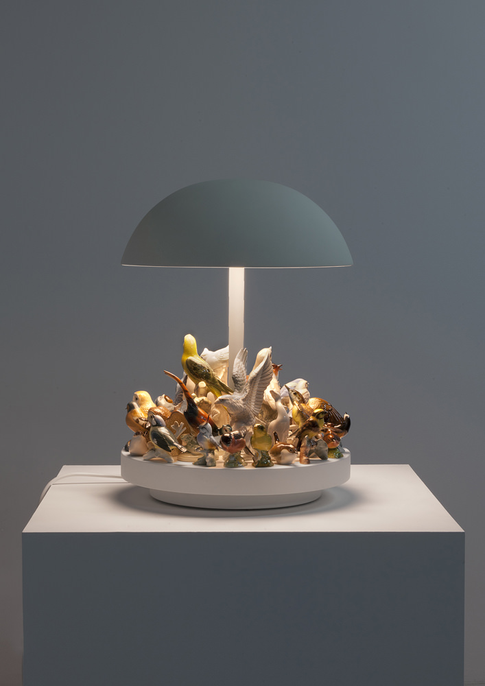 Stuart Haygarth Island (2016) Corian, spun metal shade and bird figurines H 55 L 40 W 40 (CM) / H 1.8 L 1.3 W 1.3 (IN) Limited edition of 3 + 1 AP Courtesy Carpenters Workshop Gallery